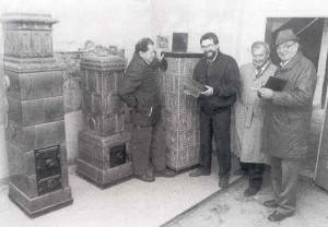 Bei-der-Arbeit-Heimatmuseum-Ofen-300x208 in Heimatverein Jahresrückblick 1991