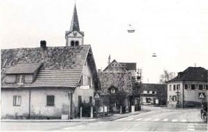 Dorfmittelpunkt-Fr Hjahr-1977-300x191 in Sandweier
