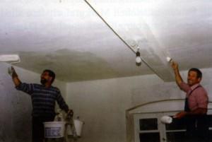 Heimatmuseum-Innenarbeiten-300x201 in 400 Jahre Jagdhaus 1602 - 2002