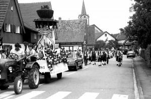 Jubil Umsumzug-Gesangverein-1981-300x197 in Geschichtsdaten in Kürze von 1980 bis 1999