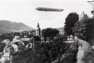 Luftschiff-in-Baden-Baden-300x201 in Die Zeit der Luftschiffhalle, eine kleine Zeppelingeschichte