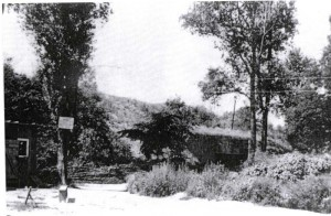 Durchgangsbunker-im-Schafkopf-in-Wintersdorf-Gr-800-300x196 in Der Westwall in Sandweier
