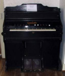 Harmonium-Oranetto-von-1929-257x300 in