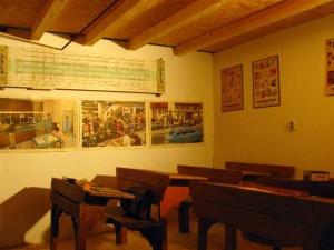 Schulraum 2011-im-Heimatmuseum-Sandweier IMG 1336-300x225 in