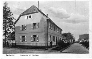 Altes-Pfarrhaus-1-Gr-800-300x193 in Alte Fotos vom kirchlichen Leben