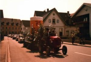 Festumzug-4-Gr-800-300x204 in Alte Fotos von Vereinen
