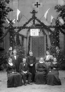 Primiz-Pfarrer-Heinrich-Kratzer-7-Juli-1907-Gr-800-213x300 in Alte Fotos vom kirchlichen Leben
