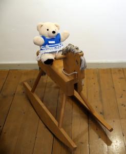 B R-auf-Pferd-246x300 in Ausstellungen der Strickliesel-Gruppe