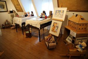Gro Er-Ausstellungsraum-2016-300x200 in Ausstellungen der Strickliesel-Gruppe