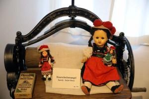 Puppen-und-B Ren-1-IMG 8934-300x200 in Ausstellungen der Strickliesel-Gruppe