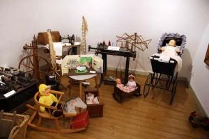 Puppen-und-B Ren-9-IMG 8935-300x200 in Ausstellungen der Strickliesel-Gruppe